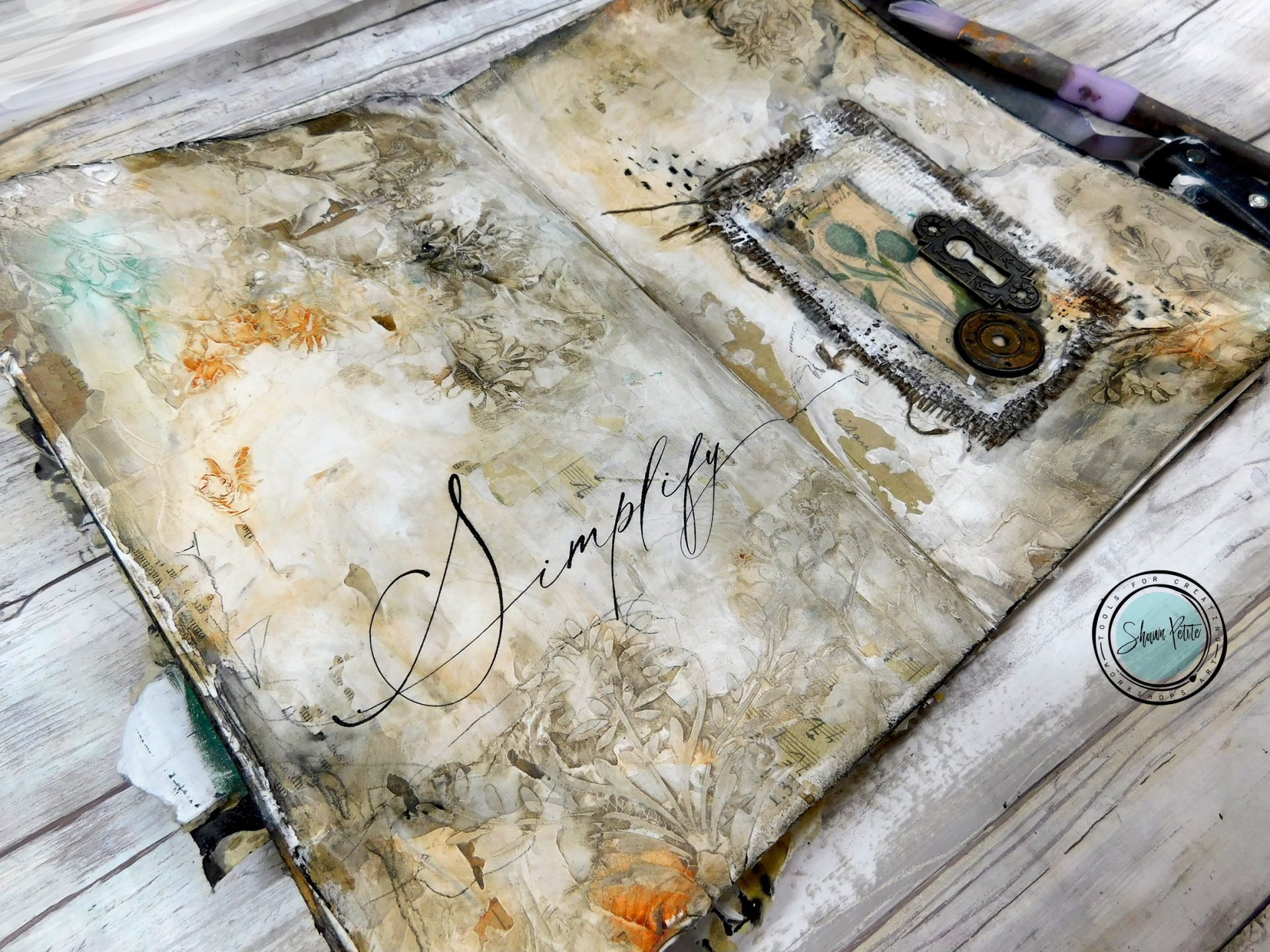 Simplify textured journal page with texture paste, gesso and stenciling sunday inspiration 8-15-21